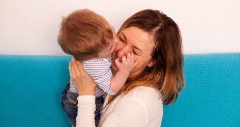 ¿Qué significa si un niño no responde a su nombre?