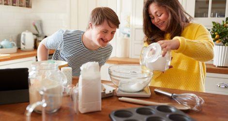 Padres que cuidan a adultos con discapacidades
